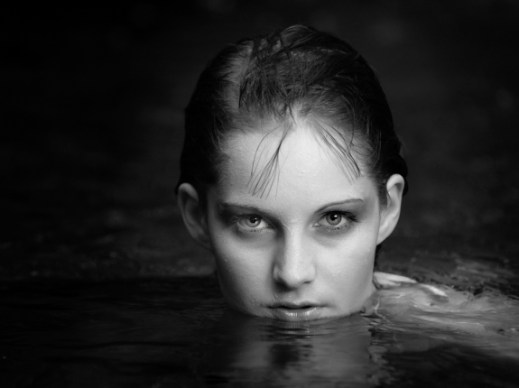 Stunning Examples of black and white Portrait Photography 24 575x430 40 Stunning Examples of Black and White Portrait Photography